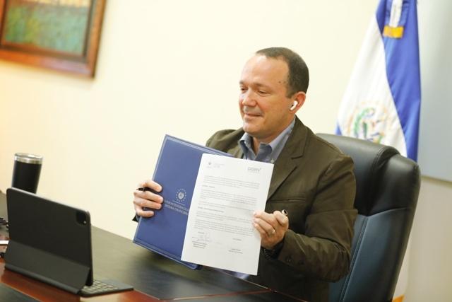 Firma de convenio  para beneficio del sector cooperativo financiero del país