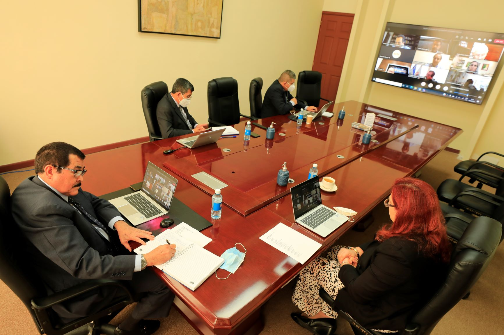 Superintendencia sostiene diálogo permanente con entidades supervisadas