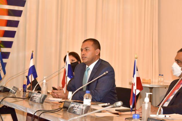 Superintendencia busca homologar acciones regionales para el avance del mercado de valores del país, en beneficio de la población salvadoreña